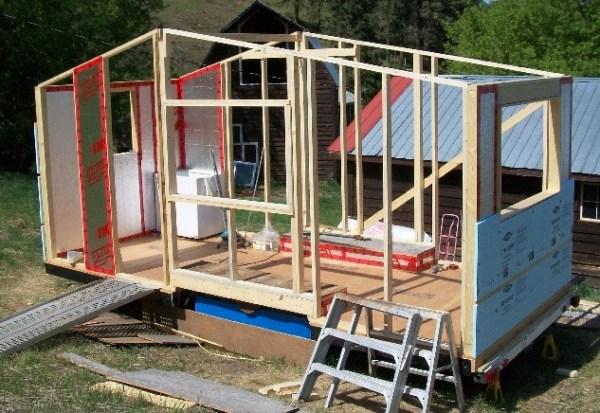 Smart-Framing A Lightweight Tiny House In Canada
