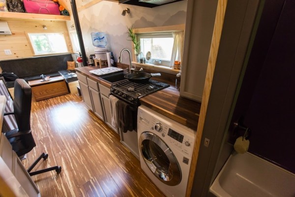 Portable Pioneer Tiny House Photo by Aaron Lingenfielter via TinyHouseTalk-com 0013