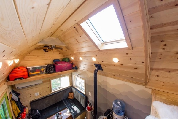 Portable Pioneer Tiny House Photo by Aaron Lingenfielter via TinyHouseTalk-com 0025
