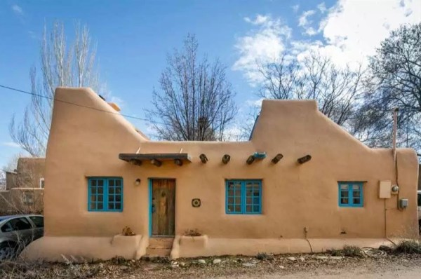 510 sq ft small pueblo style solar home for sale in for Adobe construction pueblo co