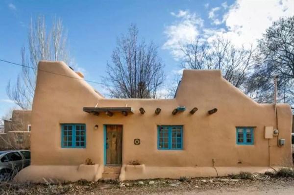 Pueblo-Style Solar Home For Sale in Santa Fe 001