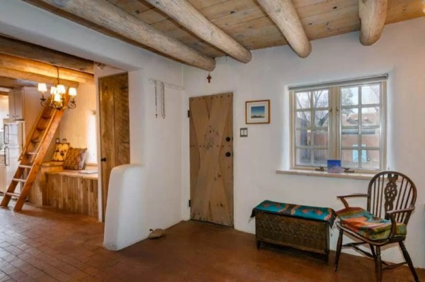 Pueblo-Style Solar Home For Sale in Santa Fe 003