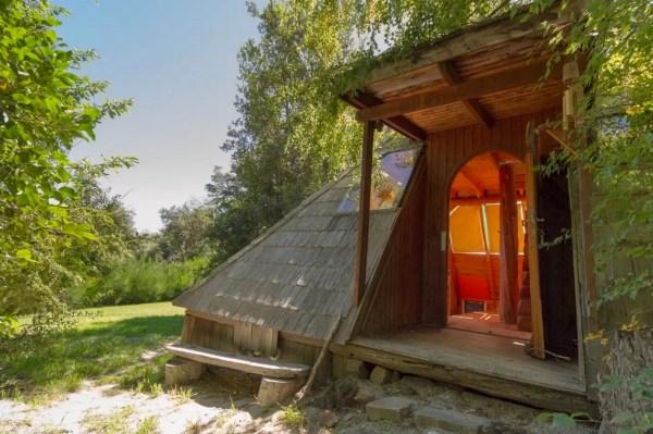 Pyramid Cabin 001