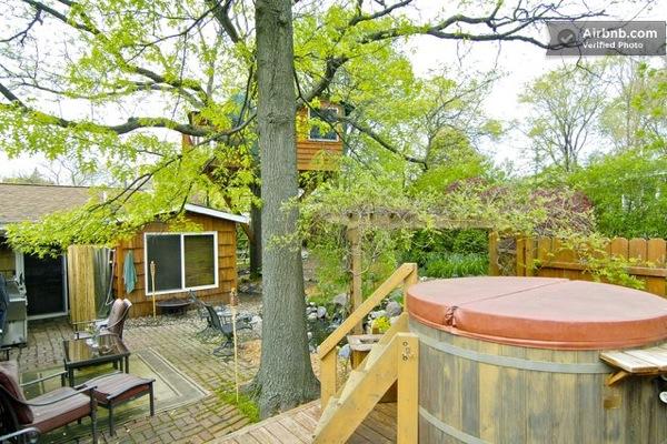 Romantic-Garden-Treehouse-09