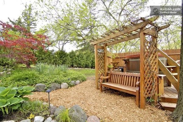 Romantic-Garden-Treehouse-10
