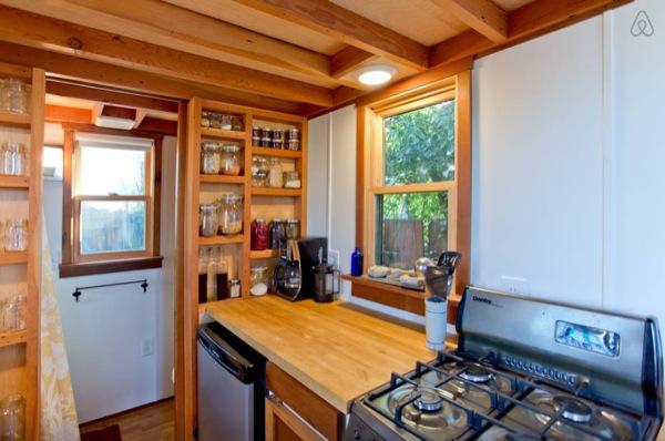 Rustic-Modern-Tiny-House-Portland-006