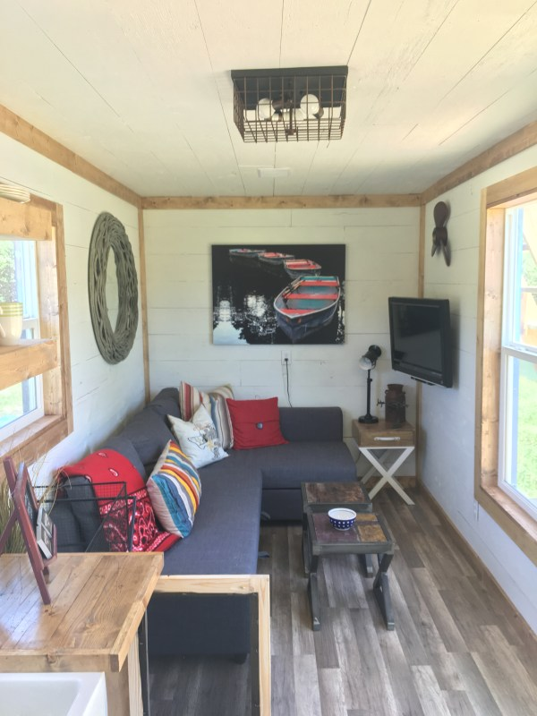 rustic-retreat-shipping-container-tiny-house-003