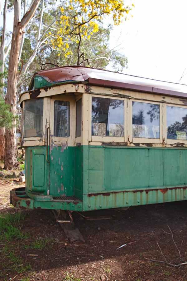 shack-caravan-tram-tiki-bar-2