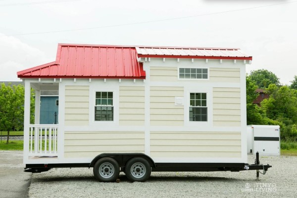 Shonsie Tiny House in Red 0013
