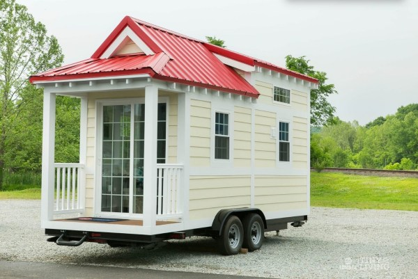 Shonsie Tiny House in Red 0017