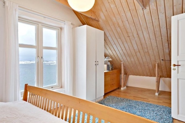 Small Coastal Cottage in Sweden 0010