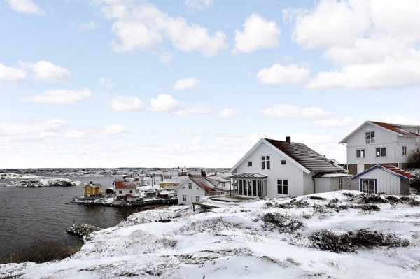 Small Coastal Cottage in Sweden 0016