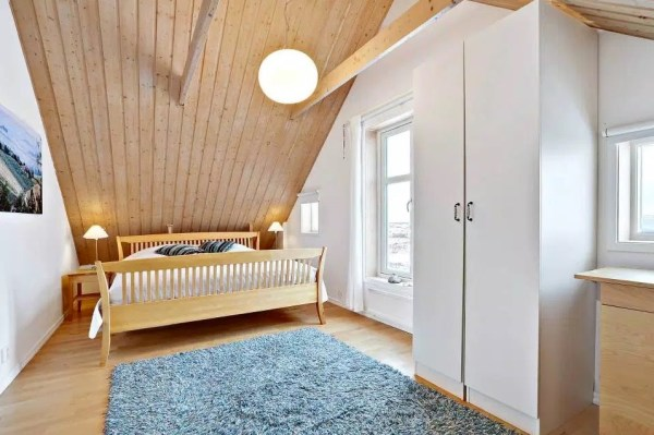 Small Coastal Cottage in Sweden 009