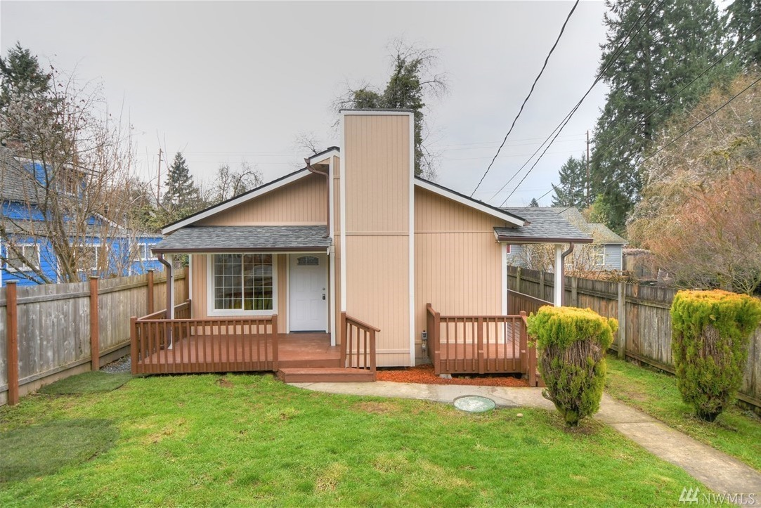962 sq ft small home with 3 bedrooms in olympia wa for for Small three bedroom house