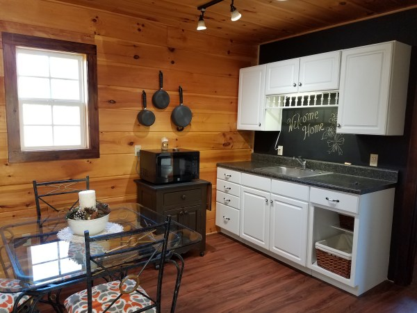 smoky-moutain-not-too-tiny-home-for-sale-003