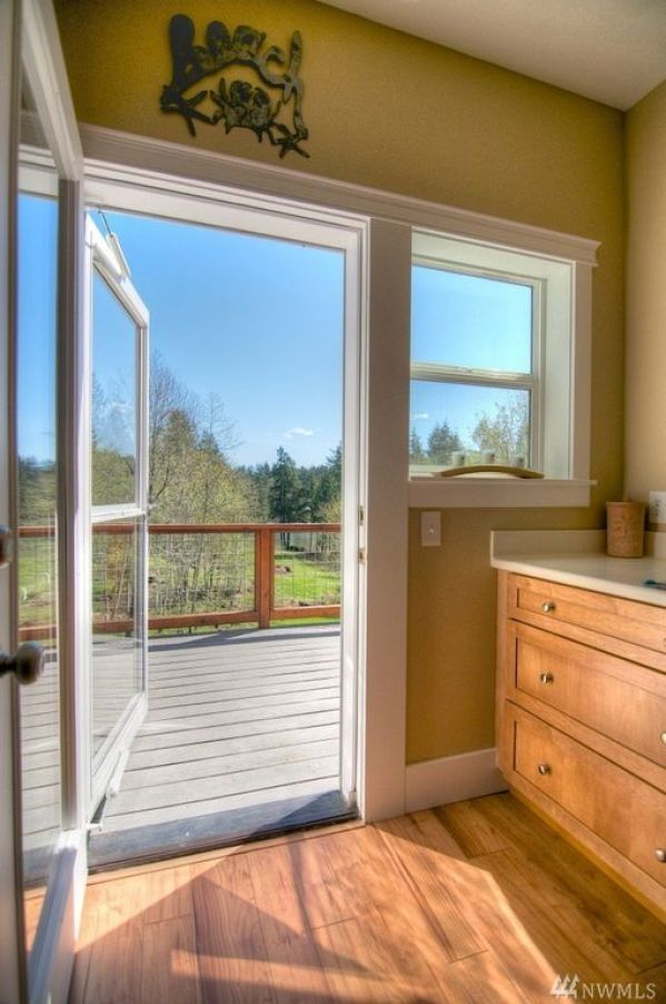 Stunning 900 Sq Ft Carriage House On 5 29 Acres In Olympia