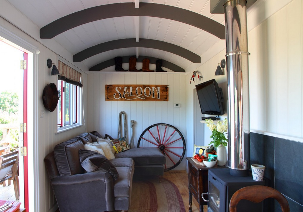 Sundance wild west wagon cabin for Sundance house