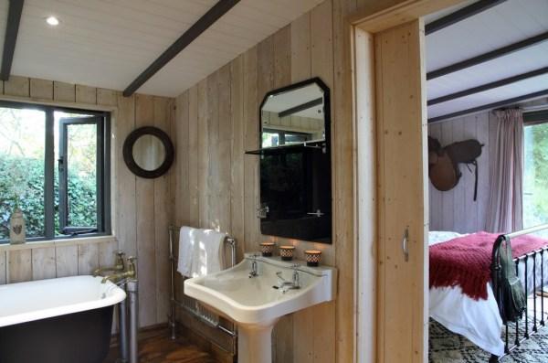 Sundance-Wild-West-Wagon-Cabin-008