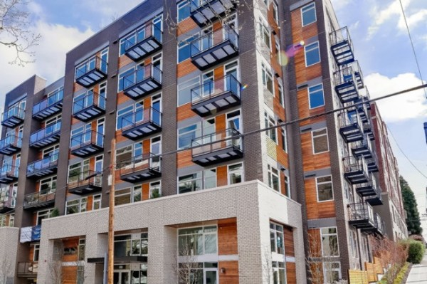 Sustainable-Apartments-in-Seattle-Stream-Belmont-NK-Architects-009