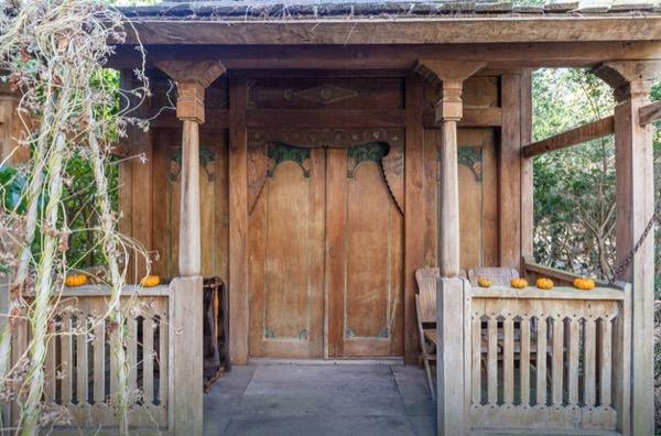hippie cottage