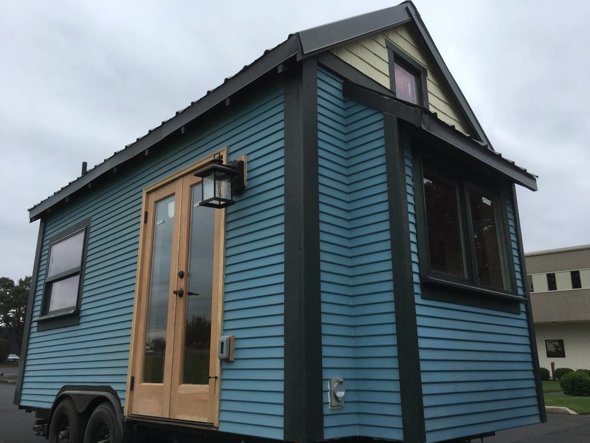 Sweet pea tiny house for sale in portland oregon for Building a home in oregon