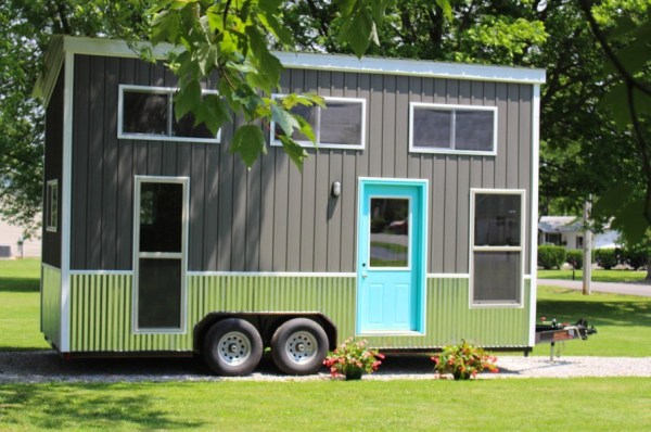 Teal Chick Shack THOW 0019