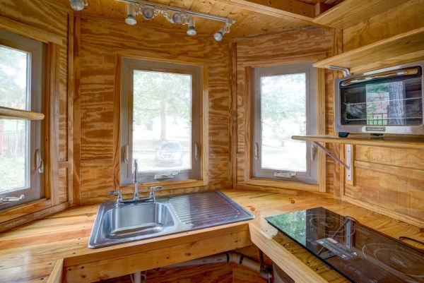 the-beeming-bee-tree-tiny-house-in-asheville-for-sale-3