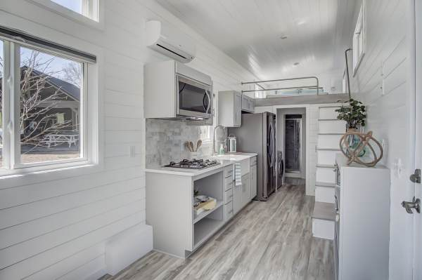 The Fox 28ft Tiny House by Modern Tiny Living 0012