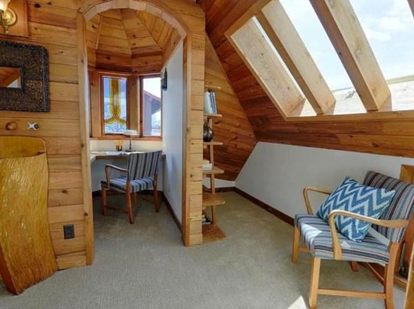 The Hobbit Houseboat 0010