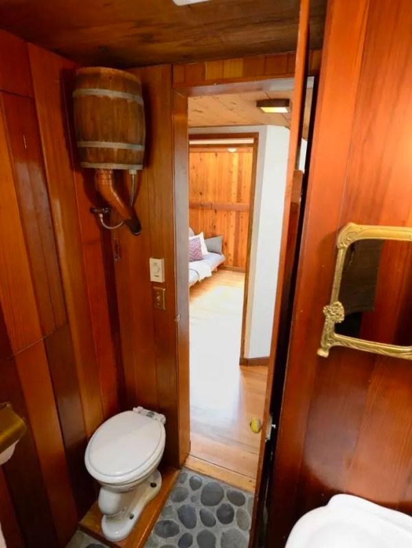 The Hobbit Houseboat 0013