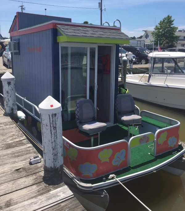 Big Bay Beach House: The Otter House: A Tiny House Boat In Virginia