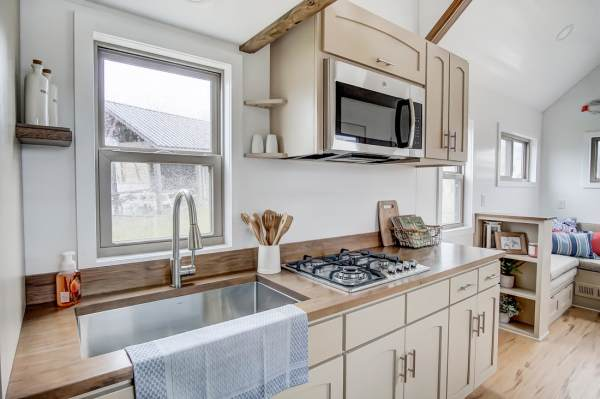 The Pearl Tiny House by Modern Tiny Living 0017