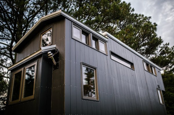 the-rook-tiny-house-by-wind-river-tiny-homes-002