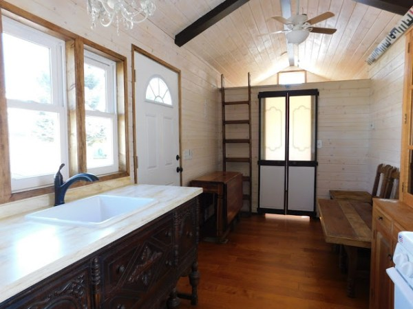 the-rose-tiny-home-006