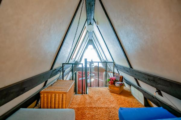 tiny-a-frame-cabin-in-lampe-015