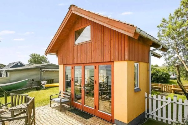 Tiny Beach Cottage in Denmark 002