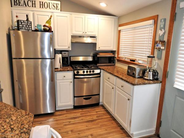 Tiny Beach Cottage in NJ For Sale 005