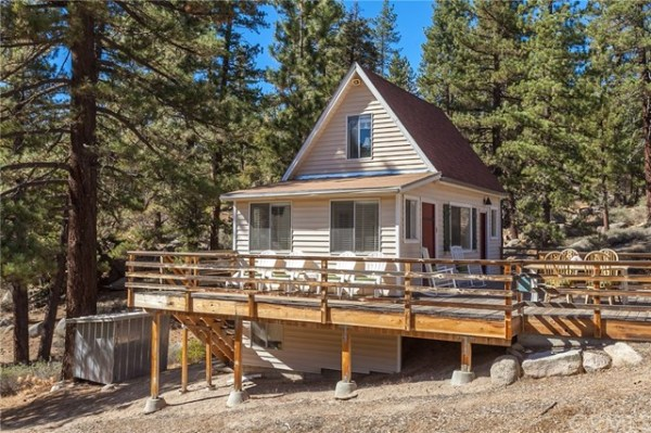 tiny-big-bear-cottage-on-2-acres-for-sale-002