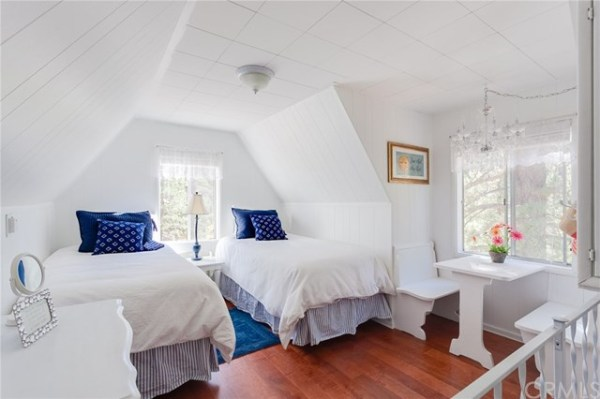 tiny-big-bear-cottage-on-2-acres-for-sale-020
