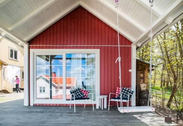 Tiny Bungalow by the Sea in Sweden 0021