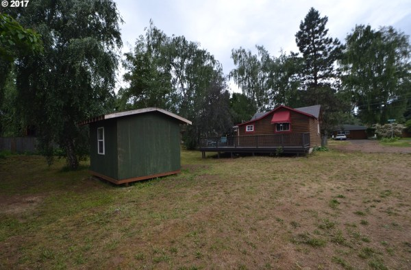 Tiny Cabin in Hood River, Oregon For Sale