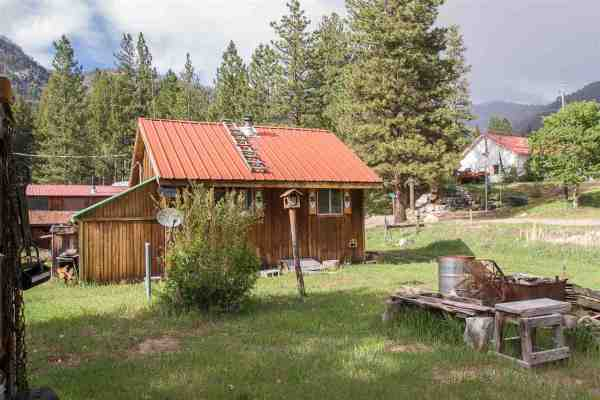 Tiny Cabin near Gold Mine in Yellow Pine