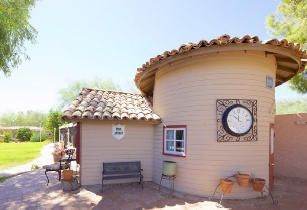 Tiny Cottage Retreat Vacation in Scottsdale 002