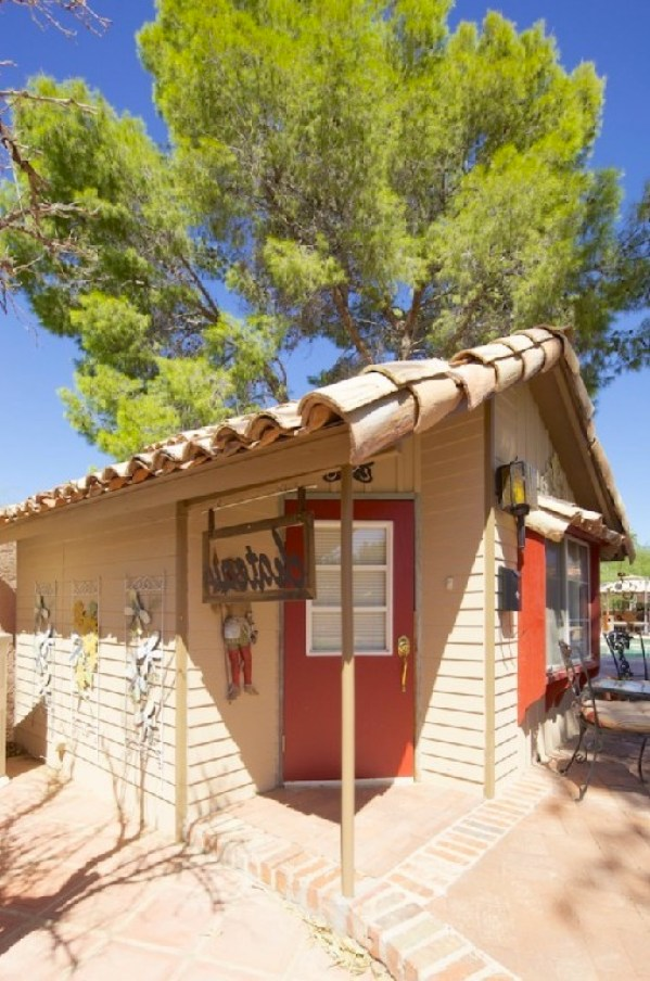 450 sq ft tiny cottage retreat in scottsdale arizona for Cottage retreat ii