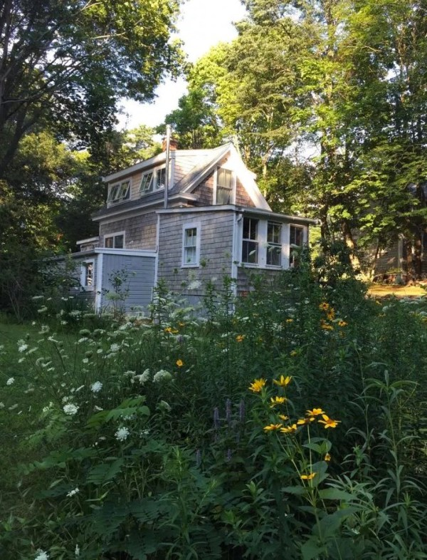 Tiny Cottage in Cape Cod 0012
