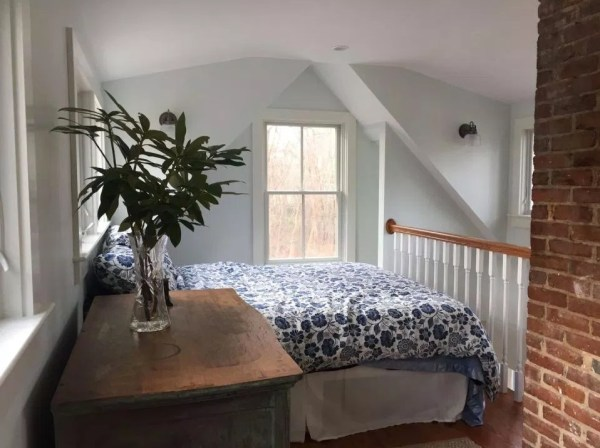 Tiny Cottage in Cape Cod 008