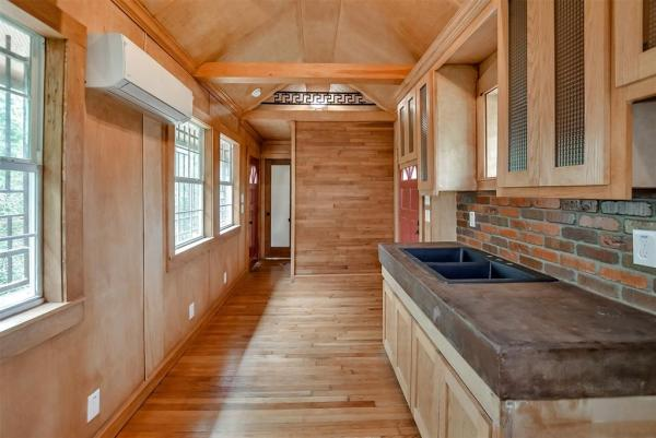 Tiny Cottage on Stilts in Houston Texas For Sale 007