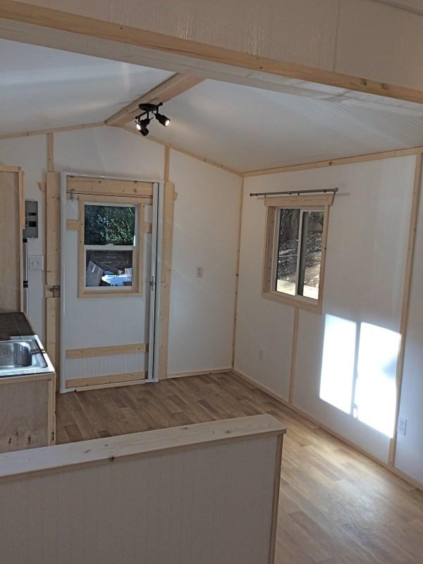 Tiny Garden House Cottage 004