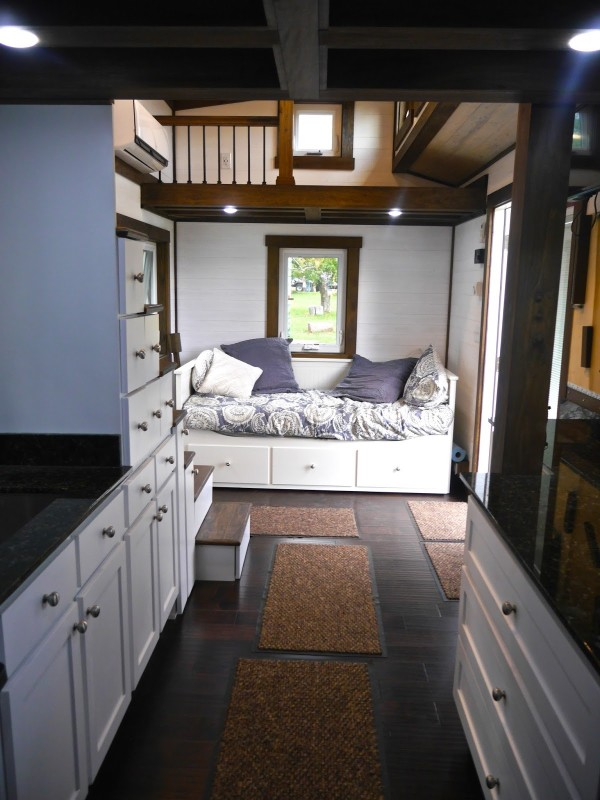 24 Luxury Tiny Home On Wheels By Tiny House Chattanooga