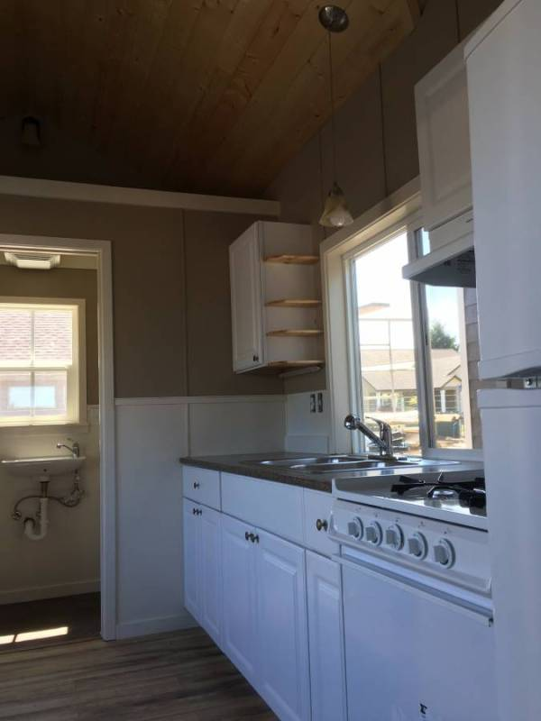 Tiny House For Rent in Battle Ground Oregon 0013